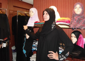 angela-carson-bangalore-india-burka-hijab-shopping-frazer-town-0061