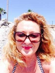 angela-carson-best-expat-blog-amanda-the-cava-queen-writer-author