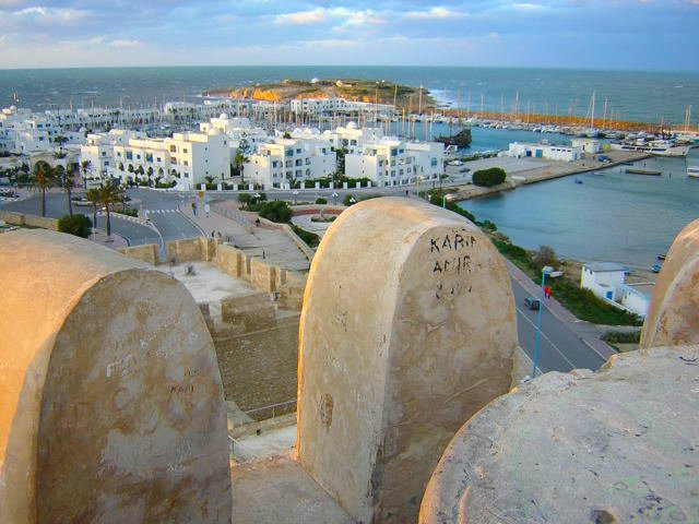 angela-carson-expat-travel-blog-adventures-get-lost-on-purpose-in-tunisia-7
